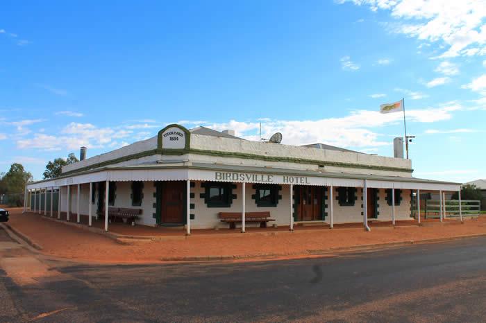 10 Day Outback Aussie Pub Crawl